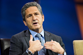 Лидером по компенсациям стал Майкл Фрис из Liberty Global, заработавший $112,2 млн, что на 139,4% больше, чем в прошлом году