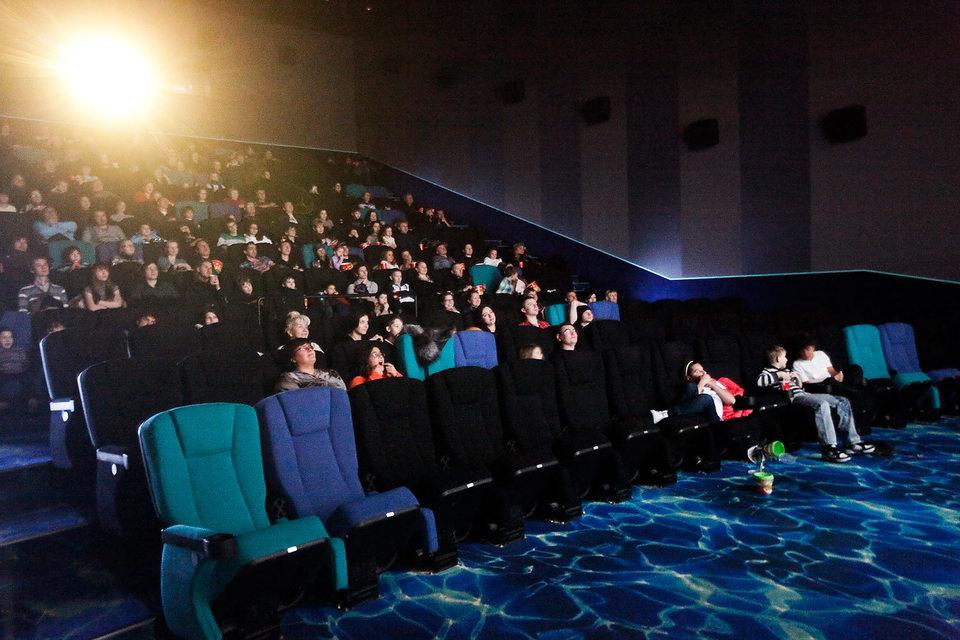 Чиновники постоянно обсуждают разные варианты поддержки отечественной киноиндустрии