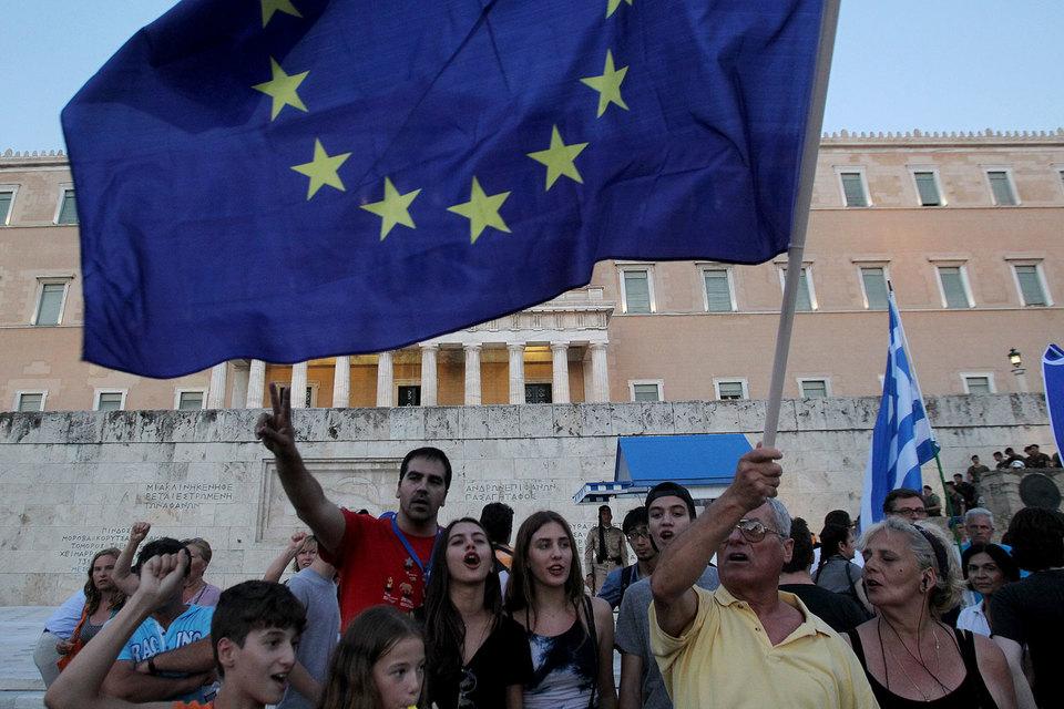 Греция по-прежнему просит списать ей часть госдолга