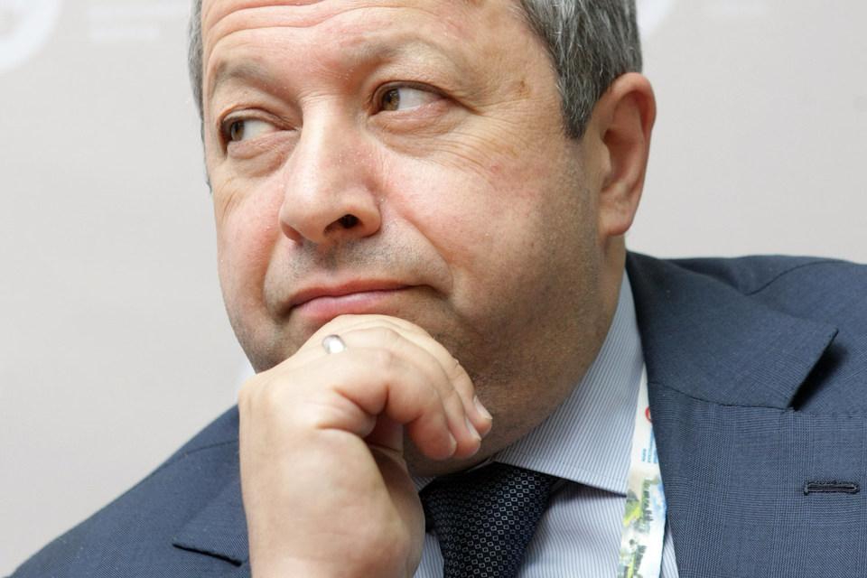Администрация Ленобласти пытается доказать, что компания Захара Смушкина (на фото) незаконно владеет 906 га