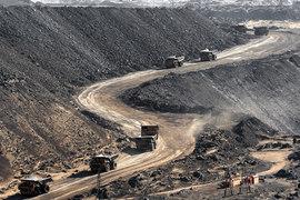 Если кредиторы «Мечела» договорятся, грузовики повезут с Эльгинского месторождения уголь, принадлежащий Газпромбанку