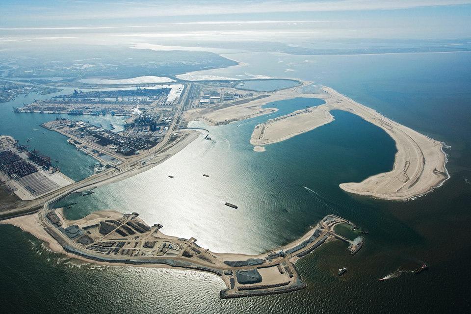 Группа «Сумма» не смогла создать нефтяной хаб российской нефти в Роттердаме