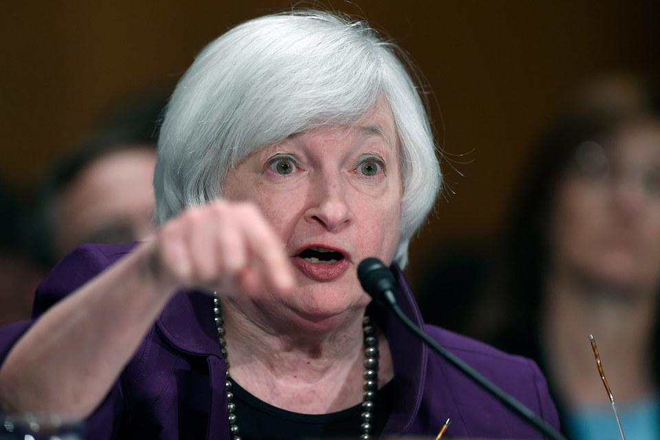 Для небольших банков «расходы превышают положительный эффект», согласилась председатель ФРС Джанет Йеллен