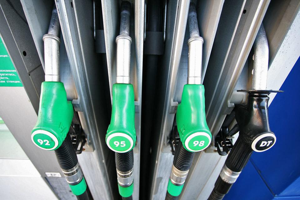 В целом по России бензин Аи-92 подорожал на 0,2% до 32,26 руб. за 1 л, Аи-95 – на 0,2% до 35,95 руб. за 1л (данные Thomson Reuters Kortes)