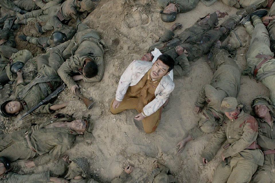 Даже мертвые тела у эстета Джона Ву разложены так, чтобы было красиво