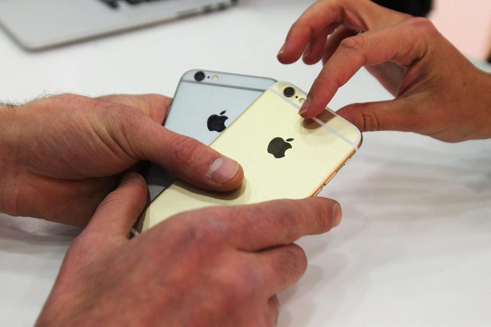 Рекордные прибыли Apple обусловлены огромной популярностью моделей iPhone 6 и iPhone 6 Plus, оснащенных увеличенным дисплеем