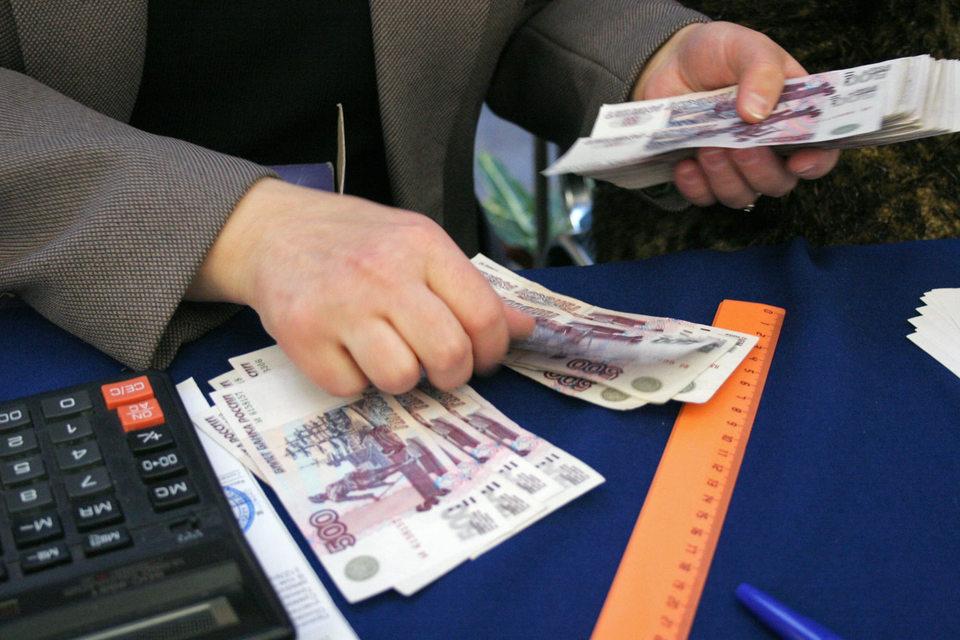 Чем выше уровень образования респондентов, тем чаще они сообщают о ведении финансового учета