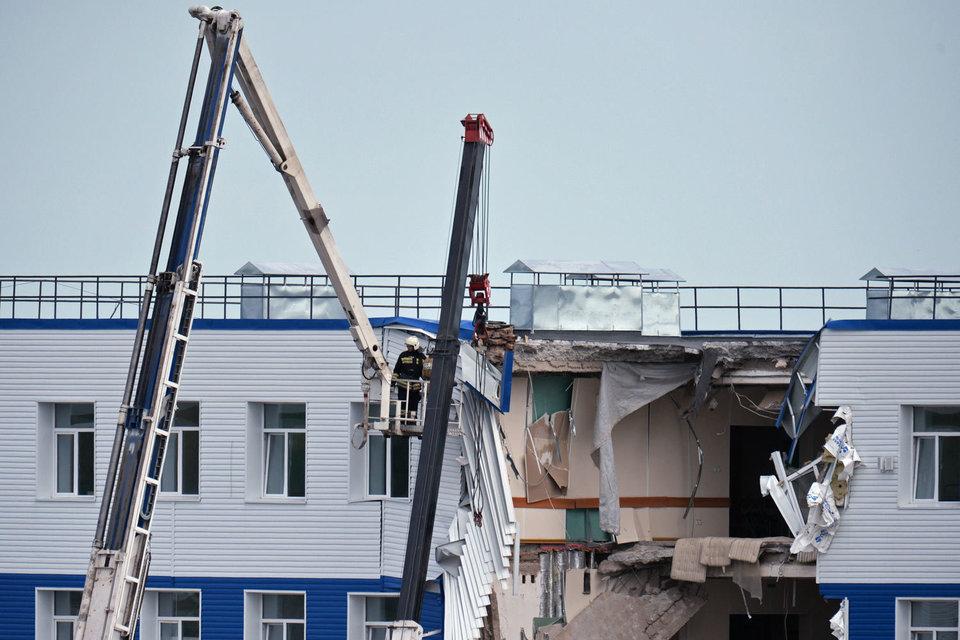 Обрушение в казарме под Омском произошло из-за некачественной кладки стен и неправильного ремонта
