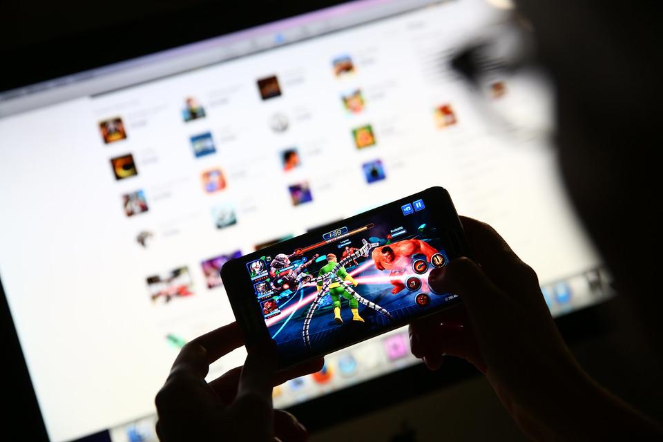 Мобильные игры приносят разработчикам меньше доходов, нежели многопользовательские