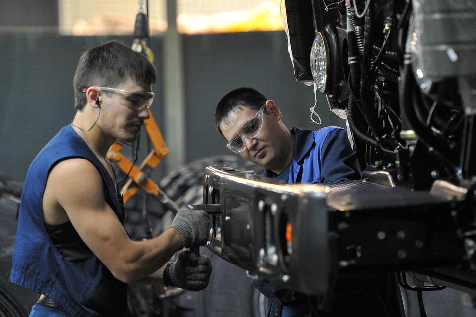 «Камаз» добавит работникам 2,5%