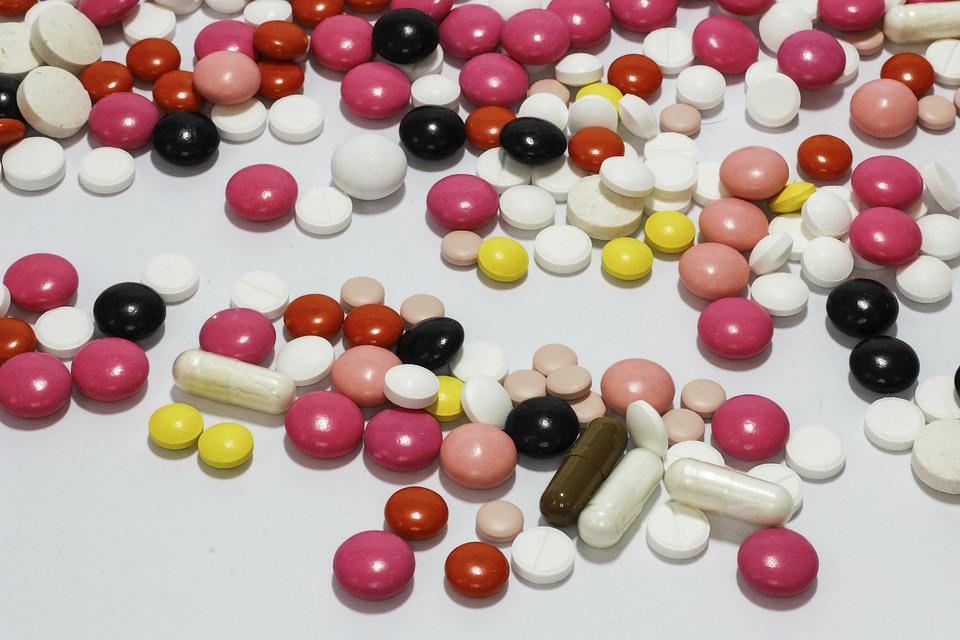 Сейчас, согласно КоАП, продажа рецептурного лекарства без рецепта грозит аптеке штрафом в 40 000–50 000 руб. или приостановкой работы до 90 суток