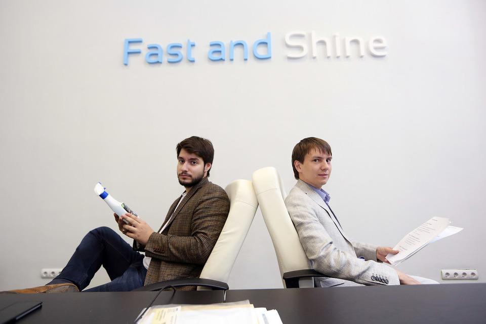 Аркадий Хохлов и Олег Герасимов подсмотрели идею сухих автомоек в США