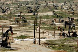 Обвал нефтяных котировок повышает риски затяжной рецессии в России
