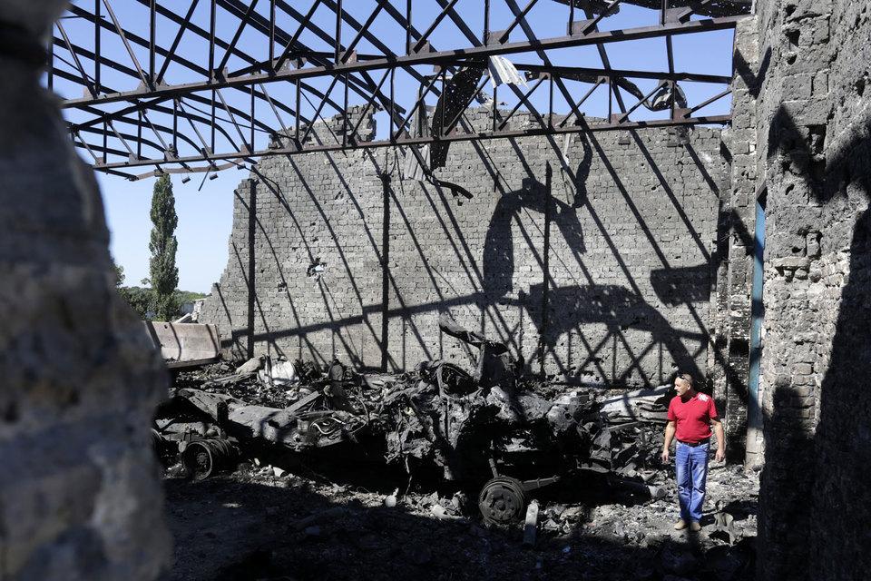 Пока идут мирные переговоры, количество артобстрелов в Донбассе растет