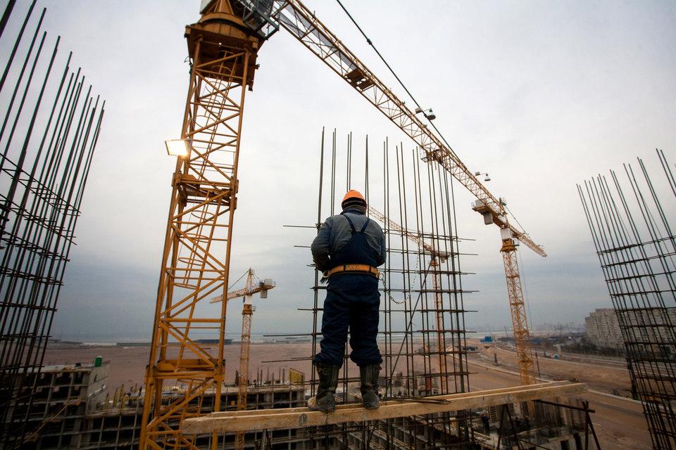 Комитет по строительству предъявил претензии по нарушению сроков 57 подрядчикам, сумма штрафов составила более 440 млн руб., говорит Демиденко
