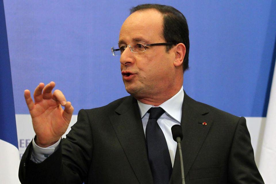 По данным издания Le Figaro, французское правительство согласилось выплатить Москве примерно 1 млрд евро