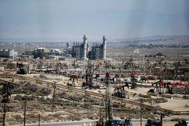 Стремительный рост нефтедобычи в США заставляет страну рассмотреть вопрос об отмене более чем 40-летнего запрета на экспорт нефти