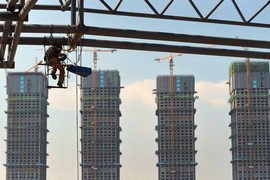 Новые жилые комплексы в Китае, запроектированные в годы экономического бума, сейчас с трудом находят покупателей на квартиры