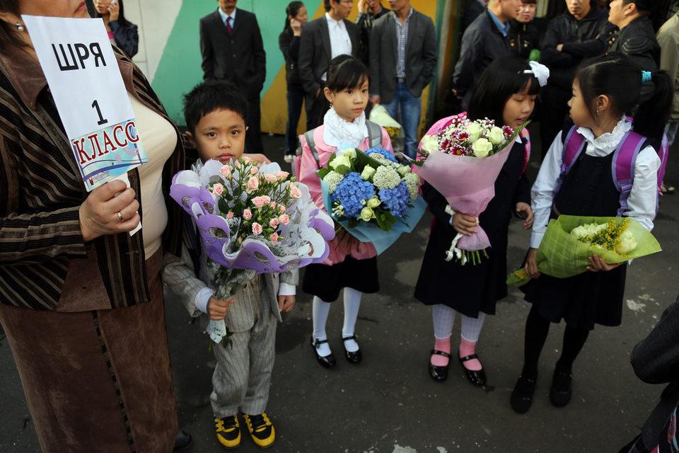 Верховный суд начал рассмотрение жалобы на запрет принимать в школы детей-мигрантов, не имеющих регистрации