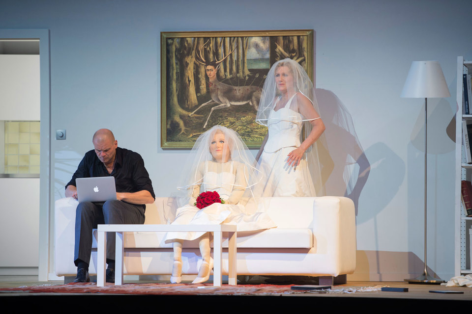 В главных партиях выступили звезды Зальцбурга – шведский баритон Бу Сковхус и немецкая сопрано Ангела Деноке