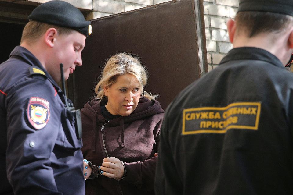 8 мая Пресненский суд Москвы приговорил Васильеву к пяти годам колонии общего режима и обязал ее возместить потерпевшим организациям 77 млн руб.