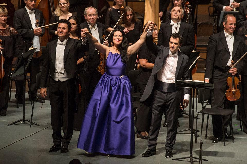 Петр Бечала, Ангела Георгиу и Алехо Перес (слева направо) поведали печальную историю Вертера с концертной сцены