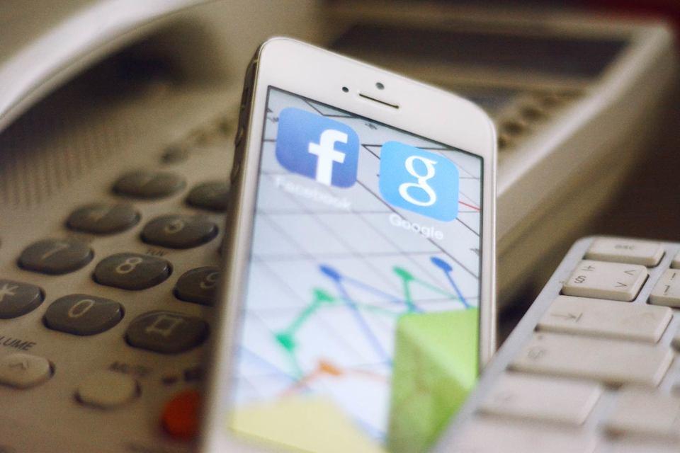На долю социальных сетей приходится 43% всего трафика этих онлайн-медиа, а на Google — 38%