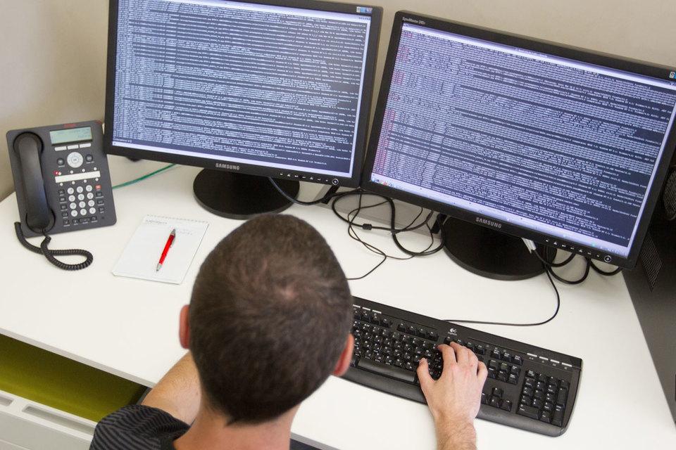 Microsoft, например, заявила, что, несмотря на растущее число людей с образованием в области Stem, компании будут испытывать нехватку квалифицированных рабочих рук