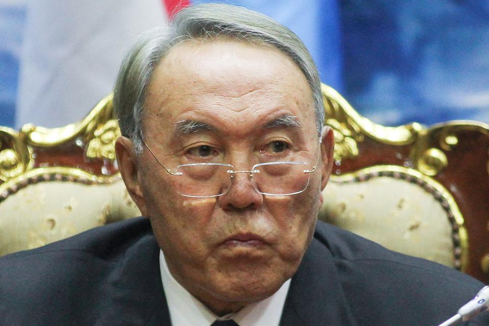 Нурсултан Назарбаев готовится экономить