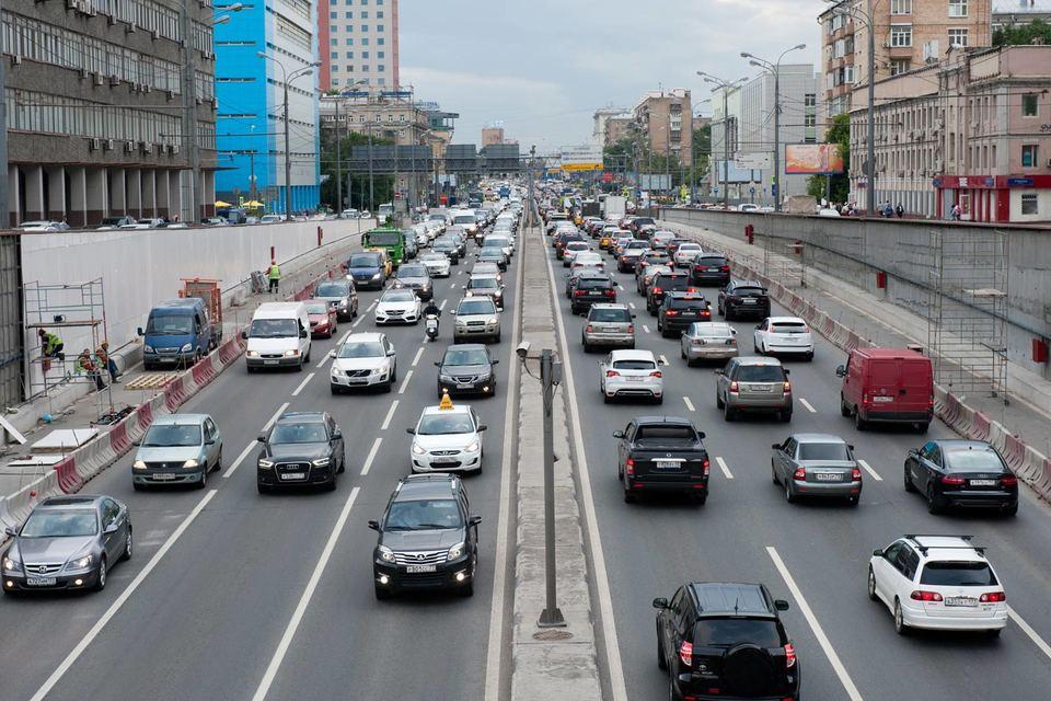 По данным Минпромторга, благодаря этим мерам поддержки в 2015 г. было продано более 303 000 автомобилей