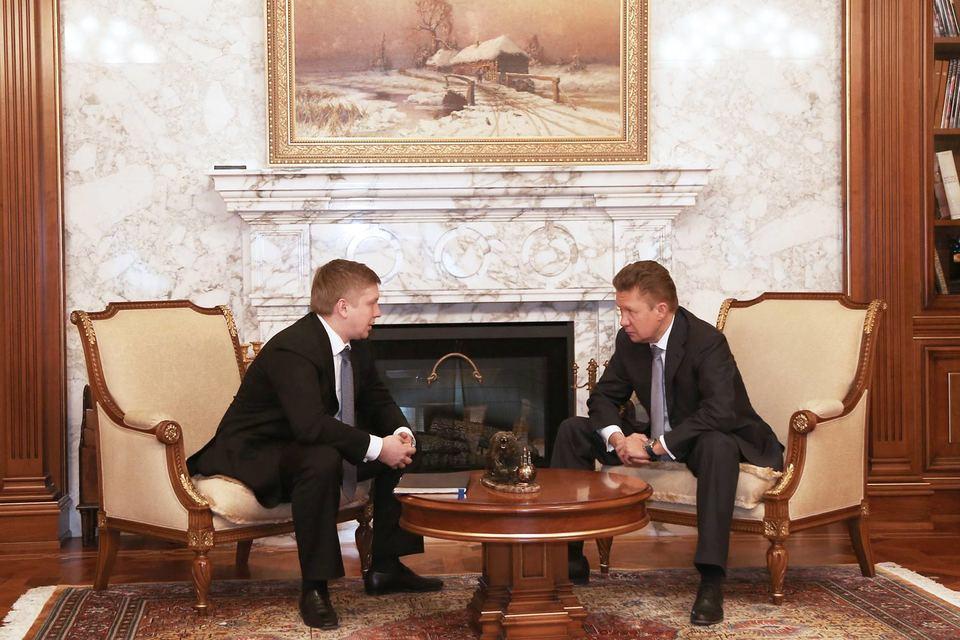 Последний раз Миллер и Коболев встречались в октябре 2014 г. в Брюсселе, когда был подписан трехсторонний протокол между Россией, ЕС и Украиной