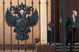 По мнению Коротеева, прокуроры по-прежнему смогут проводить проверки не только по поступившей информации, но и если сами сочтут это необходимым