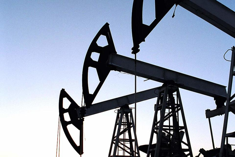 Это движение в сторону нефтесервисного бизнеса в США, комментирует представитель компании