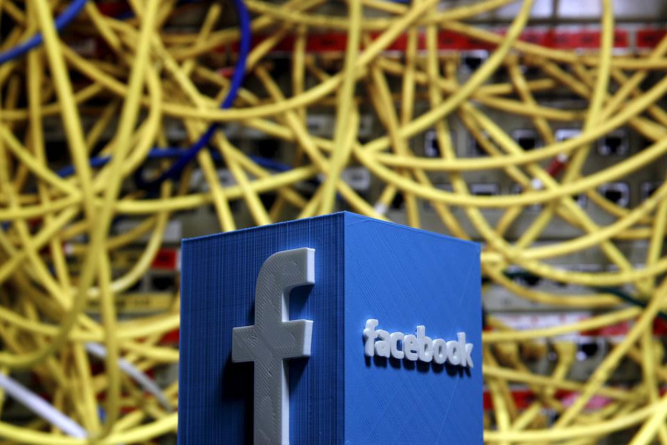 Facebook позже своих конкурентов вступает в борьбу виртуальных персональных помощников