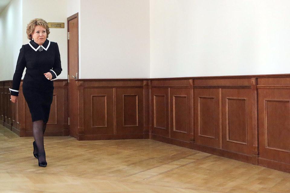 России не с кем поговорить (на фото председатель Совета Федерации Валентина Матвиенко)