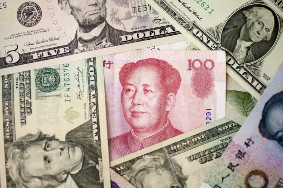 После 11 августа курс юаня к доллару практически стабилизировался на уровне 6,4 юаня за доллар, сведя девальвацию к 3,1%
