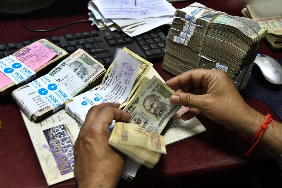 Замедление экономик развивающихся стран не дает надежды инвесторам на укрепление их валют
