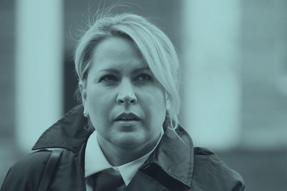 Одна сторона не противилась открытому суду и реальному приговору, а другая милостиво согласилась на УДО Васильевой после символической квартирной отсидки