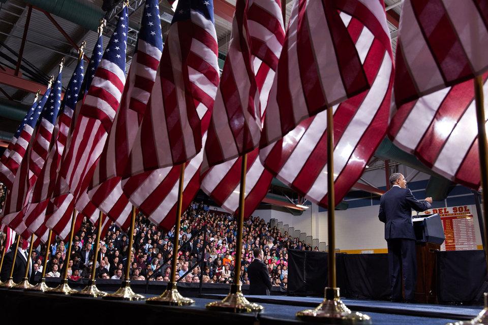Сколь-либо однозначных ассоциаций Соединенные Штаты у россиян не вызывают: самая популярная из них – президент США Барак Обама