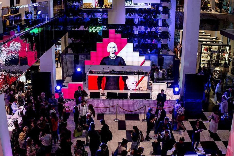Кульминацией Fashion's Night Out в «Цветном» станут концерт и открытие арт-пространства.