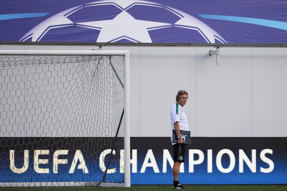 Невыплаты УЕФА – нестандартная ситуация, говорит спортивный комментатор крупного федерального СМИ