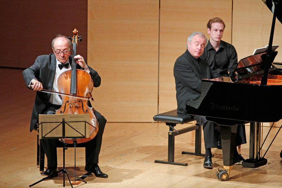Выступление Миклоша Переньи (виолончель) и Андраша Шиффа (рояль) стало одним из главных событий «Шубертиады»