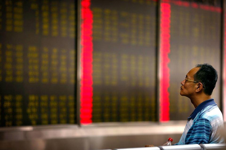 В августе, когда на китайском рынке акций продолжался обвал и были очевидные признаки замедления экономики, агентства понизили только два рейтинга