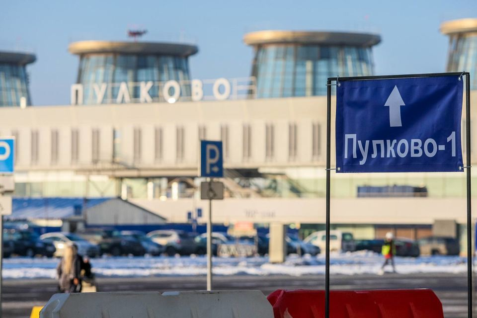 Старый терминал оказался тесен для пассажиров внутренних рейсов