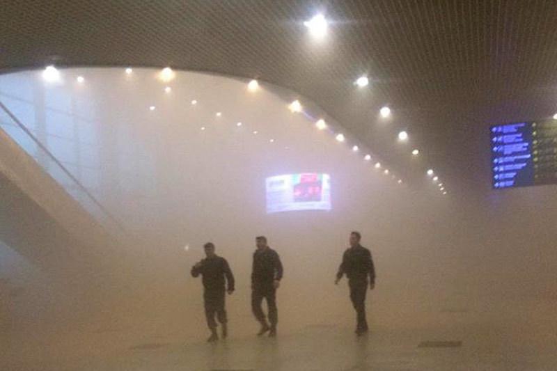 МЧС назвало возможной причиной сильного задымления в аэропорту «Домодедово» неисправность электропроводки на цокольном этаже, где хранились стройматериалы