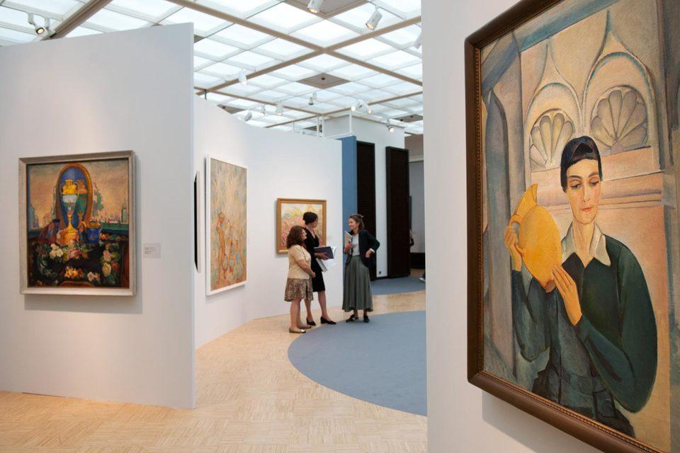 Портрет Елены Бебутовой, жены художника, – одна из самых знаменитых русских картин