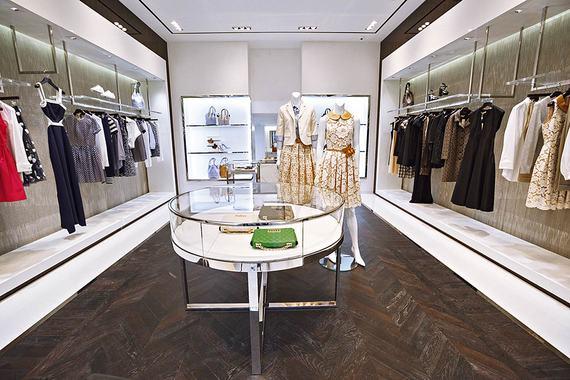 026e391ae6bc Первый в Москве флагманский бутик Michael Kors открылся в Столешниковом  переулке