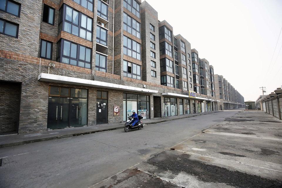 Во многих китайских городах закрываются промышленные предприятия, бывшие там крупнейшими работодателями, что подрывает экономическую и социальную стабильность