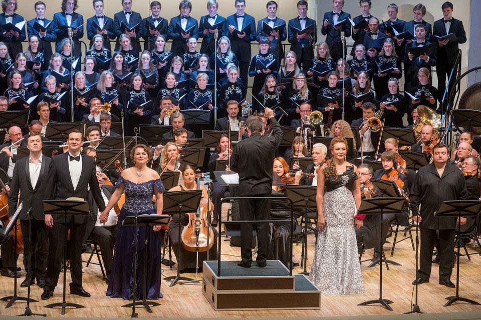 Оркестр проявил образцовый профессионализм в исполнении обеих партитур про Кащея