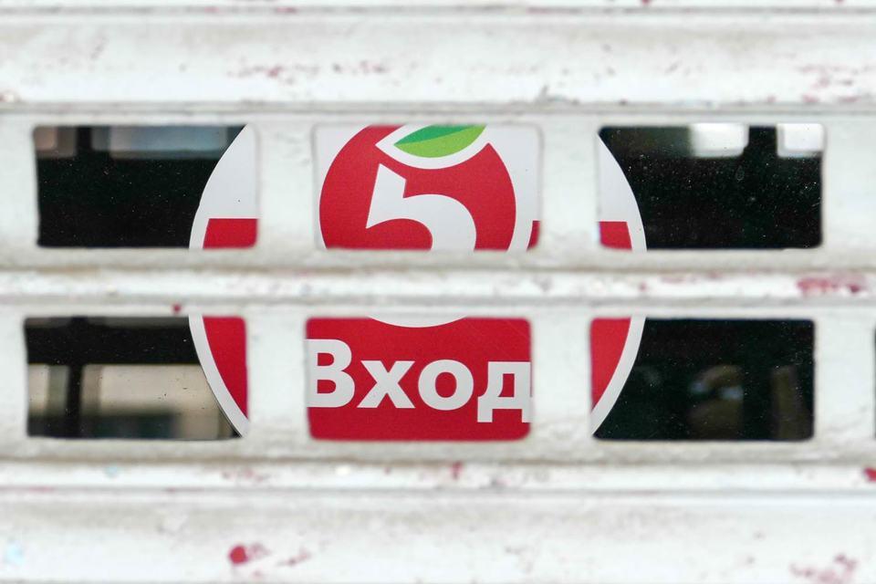 """Сегодня X5, объединяющая сети """"Пятерочка"""", """"Перекресток"""" и """"Карусель"""", объявила, что ее главный исполнительный директор Стефан Дюшарм покидает свой пост"""